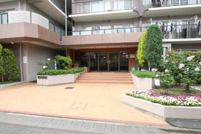 【エントランス】ローズハイツ八王子B棟