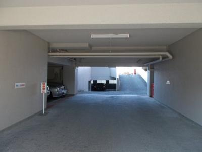 【駐車場】緑地東ロイヤルマンション