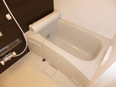 【浴室】フローラ・トモ