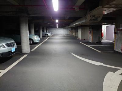 地下駐車場の一部