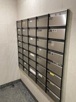 宅配BOXは不在時でも荷物の受け取りができるので便利ですね♪