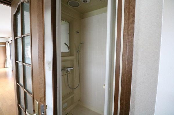 2階シャワールーム♪