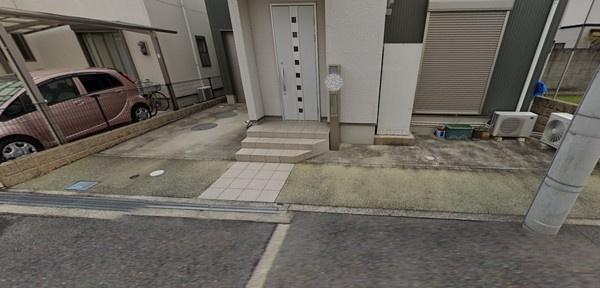 普通車2台駐車可能♪