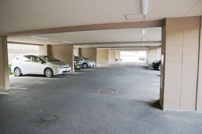 【駐車場】サンピア泉南 中古マンション