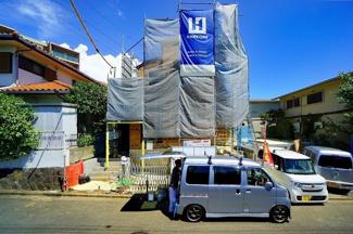 カースペース3台と60平米 超えの広いお庭!! 耐震・耐久・省エネなどに優れた本格木造住宅!
