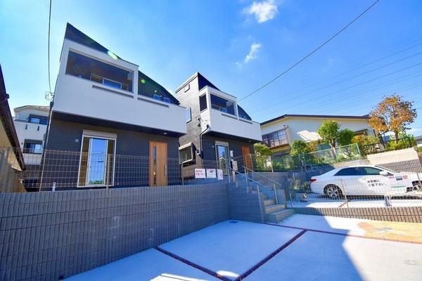 カースペース並列2台駐車可能!!! 耐震・耐久・省エネなどに優れた本格木造住宅!