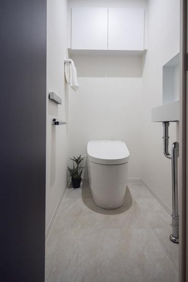 ジェイパーク中目黒Ⅳ:ウォシュレット機能付きタンクレストイレです!