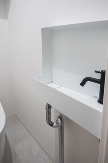 ジェイパーク中目黒Ⅳ:トイレには洗面台が付いております!