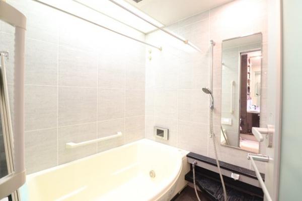 【浴室】清潔感のある浴室です!