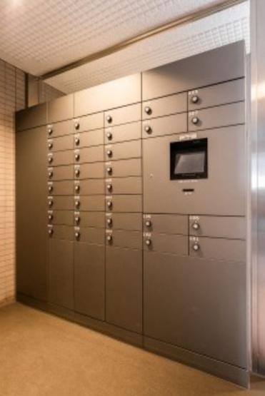 ルーエ成増:便利な宅配ボックス付きマンションです♪