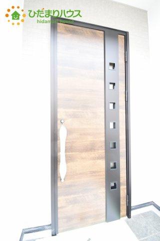 【玄関】桶川市東 1期 新築一戸建て リッカ 01