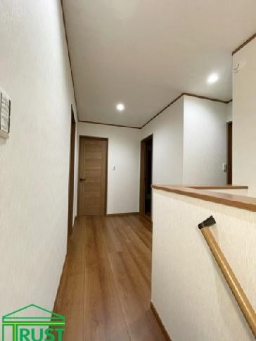 北西側の洋室です、ロフトがあり開放感があります。
