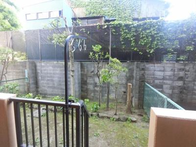23.40平米の専用庭です。 家庭菜園やガーデニングにいいですね。
