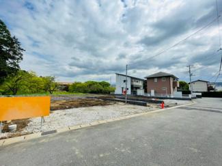 【前面道路含む現地写真】裾野市富沢第2 新築戸建 3号棟