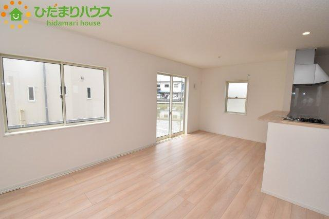 【居間・リビング】鴻巣市南 第1 新築一戸建て クレイドルガーデン 01