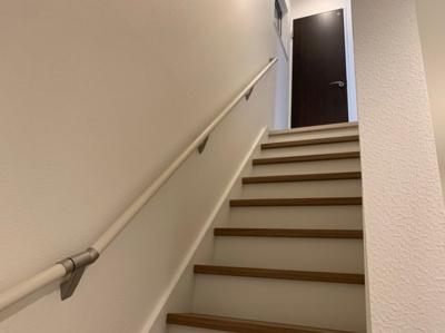 階段です。手すりがあります。