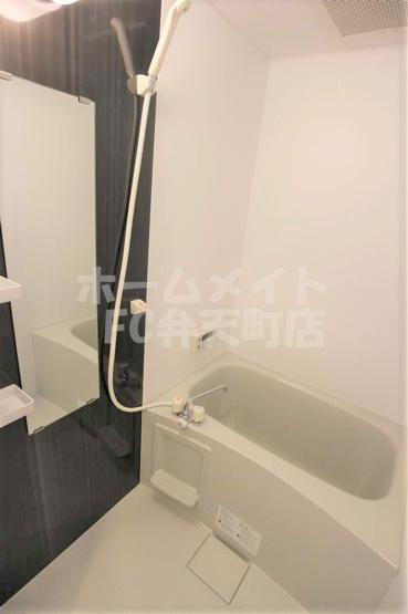 【浴室】エスカーサ大阪WEST九条駅前