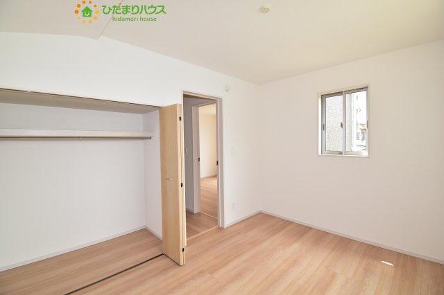 【洋室】伊奈町栄4丁目 新築一戸建て グラファーレ 01