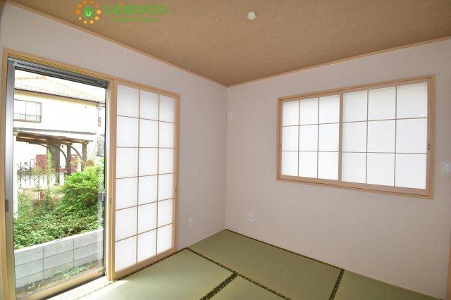 【キッチン】伊奈町栄4丁目 新築一戸建て グラファーレ 01