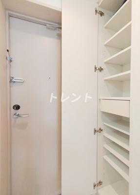【玄関】ガーラプレイス新宿御苑