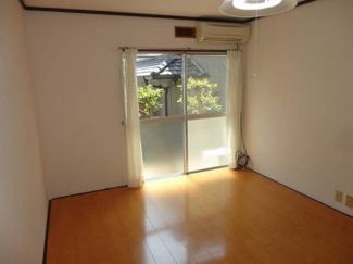 【洋室】三島市旭ヶ丘一棟アパート