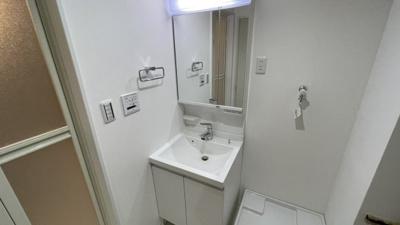 洗面台も新規交換済み!