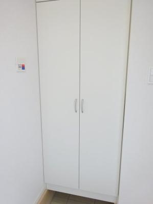 玄関 シューズボックス