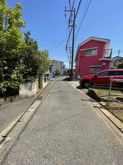 前面道路:市道 付近に弊社専任の中古住宅ございます。