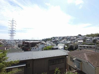 4階部分からの眺望です。 前面に建物がなく開放感◎
