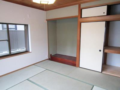 和室8帖と床の間、押入