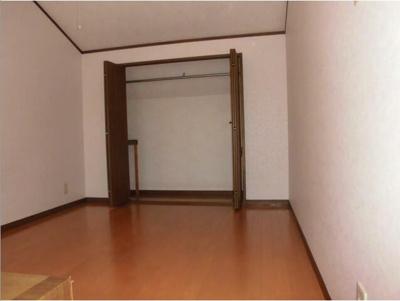 【寝室】ラ・プルーネⅡ