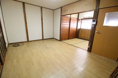 【居間・リビング】庄田町借家南4