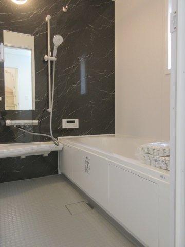 空気もこもらずいつもクリーンな浴室乾燥機付