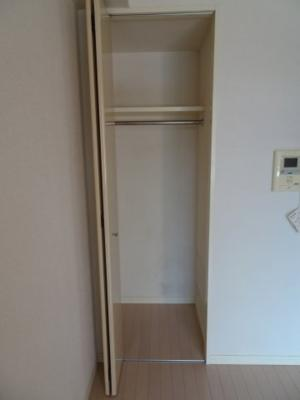 エルフラット鶯谷 洋室にはクローゼットがあります