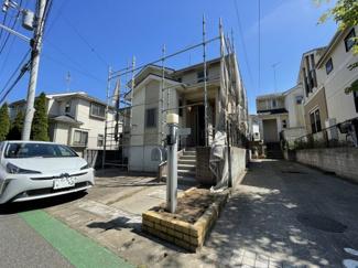 駐車スペース2台/建物約30.62坪 道が狭いのが特徴の川戸町ですが本物件前面道路約5.5m!