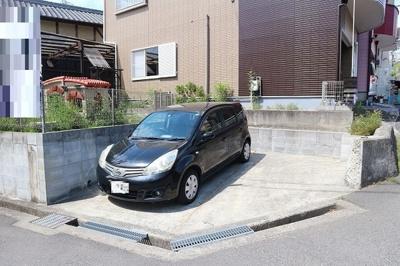 駐車場3台可能です