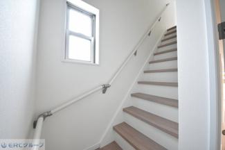 3Fへ続く階段です