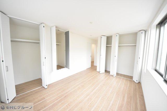 3F洋室約8.8帖 大容量のクローゼットもあり、主寝室にいかかですか?