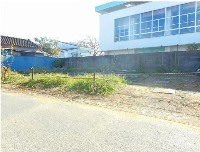 小学校まで150m、商業施設が充実した便利なエリアです♪
