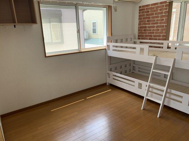※洋室①シングルベッドを置いても広々スペースを確保する事が出来るお部屋となっており、主寝室としてもご活用いただけます♪