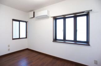 1階洋室1 独立している部屋なので、リモートワークに利用も♪