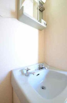 みんな欲しがる洗面台も設置済み