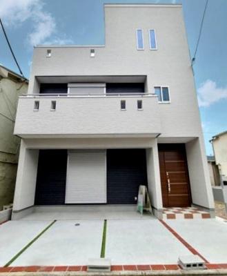 【同社施工写真】 シンプルで落ち着きのある建物は住むかたの個性でオリジナルなものになっていきます♪