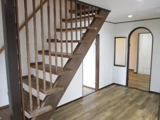 おしゃれなオープン階段