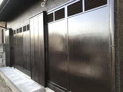雨戸もが外壁同様、同じ塗装を施しました。