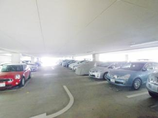 駐車場、敷地内に他にもあります