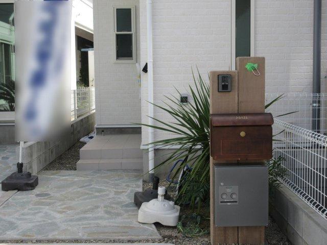 来客時に便利、TVモニター付インターホン&お子さんのお留守番中なども宅配ボックスが荷物を代わりに受け取ってくれる宅配ボックス付