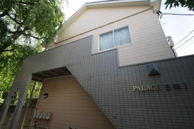 神奈川新町駅徒歩8分のアパートです。
