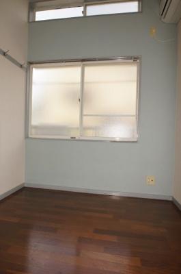 アクセントクロスを使用したお部屋です。