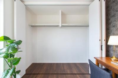 【現地写真】 室内建具・・・Panasonic製が標準仕様♪ 大型クローゼット♪